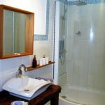 Rental Studio ensuite Bathroom