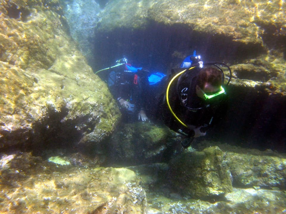 Kamil Cavern divers entry