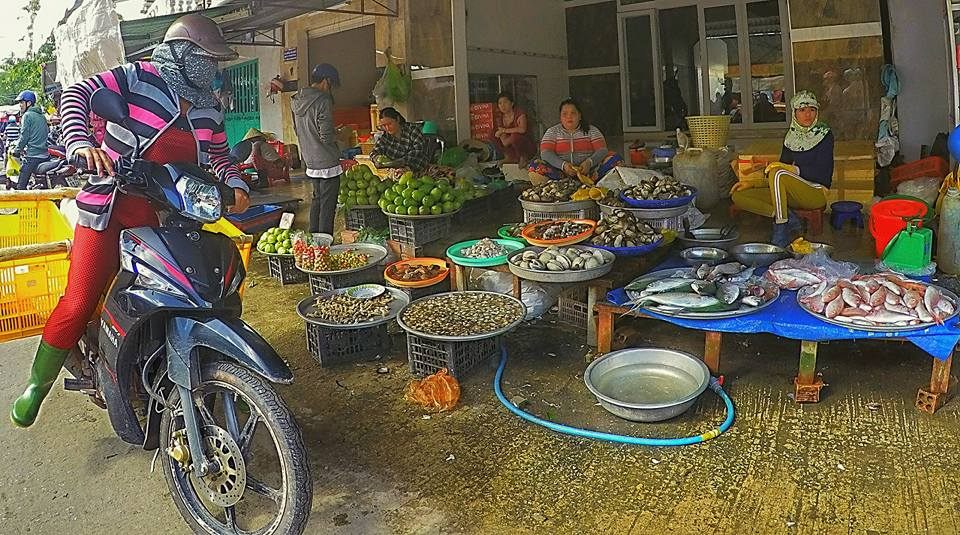 navigating the street market
