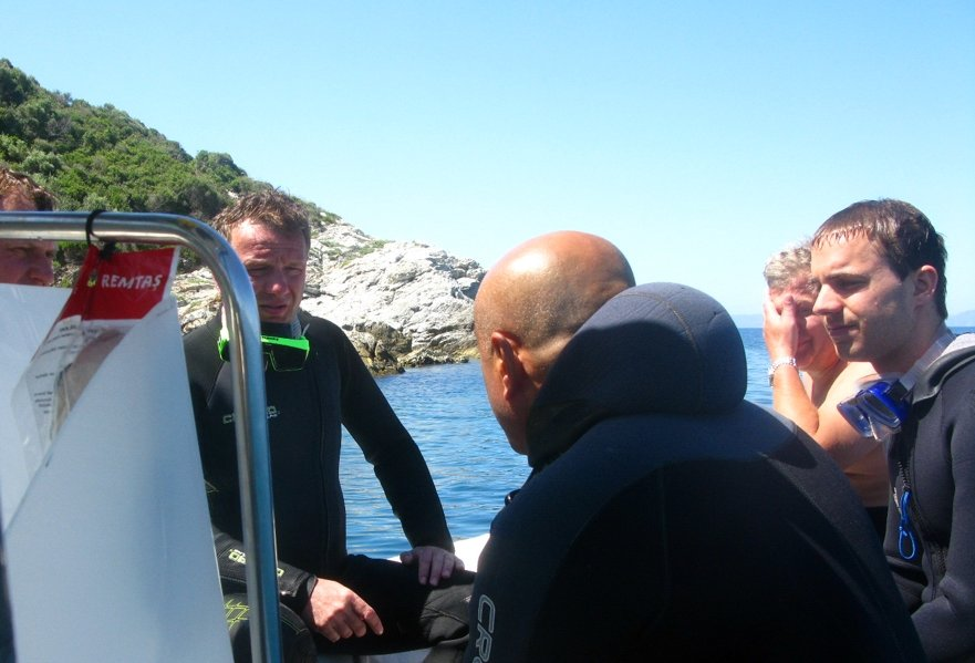 Emin giving dive briefing